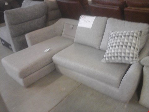Lot 28 QUALITY BRITISH MADE HARDWOOD FRAME MARL GREY FABRIC CHAISE LOUNGE