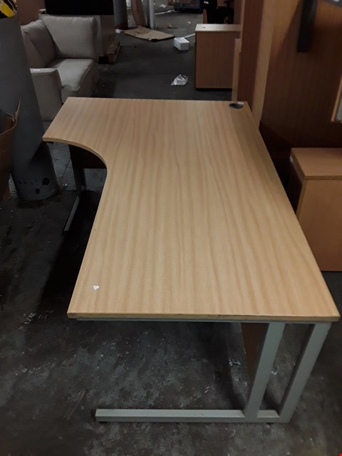 Lot 17572 DESIGNER OAK STYLE CURVED OFFICE TABLE