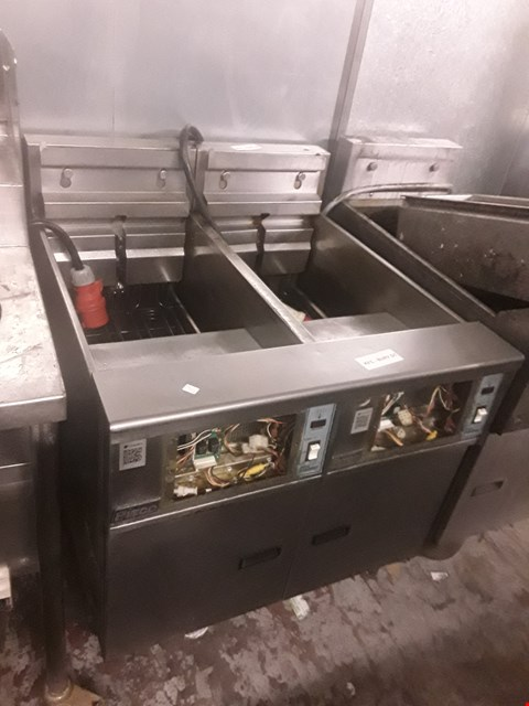 Lot 81 PITCO ELECTRIC TWIN CAVITY FRYER