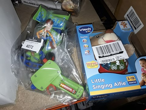 Lot 4072 LITTLE SINGING ALFIE AND TOY STORY RC CAR