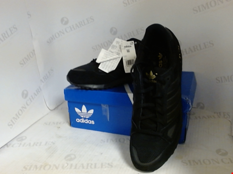 Lot 16091 BOXED PAIR OF DESIGNER ADIDAS TRAINERS - UK SIZE 11