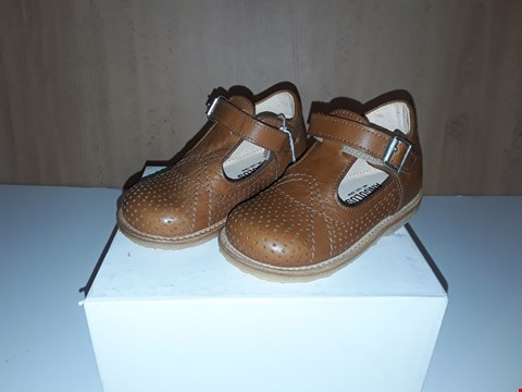 Lot 12608 BOXED ANGULUS TAN LEATHER BUCKLE SHOES UK SIZE 5.5 JUNIOR