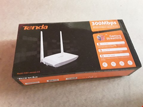 Lot 17 BOXED TENDA D301