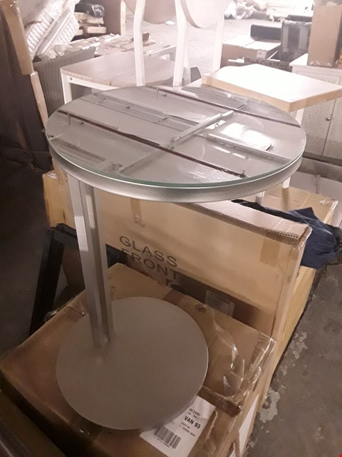 Lot 7017 DESIGNER MIRROR-TOPPED SIDE TABLE