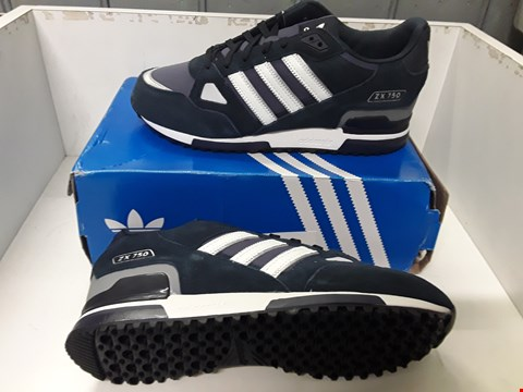 Lot 4055 PAIR OF DESIGNER TRAINERS IN THE STYLE OF ADIDAS ZX 750 SIZE UK 9
