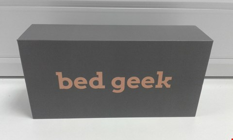 Lot 10006 BOXED BED GEEK PLAY:TWO WIRELESS WAND MASSAGER RELIEF GIFT PACK