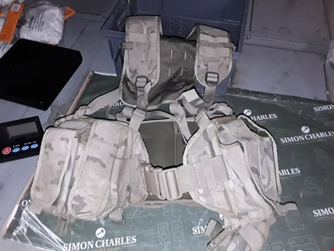 Lot 1207 MILITARY TACTICAL UTILITY VEST/BELT WITH MANY POCKETS