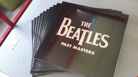 Lot 9040 LOT OF 10 'THE BEATLES - PAST MASTERS' VINYL RECORDS
