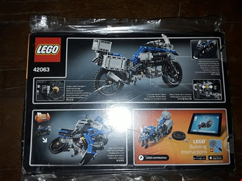 Lot 2366 GRADE 1 LEGO TECHNIC 42063 BMW R 1200 GS ADVENTURE MOTORBIKE RRP £55