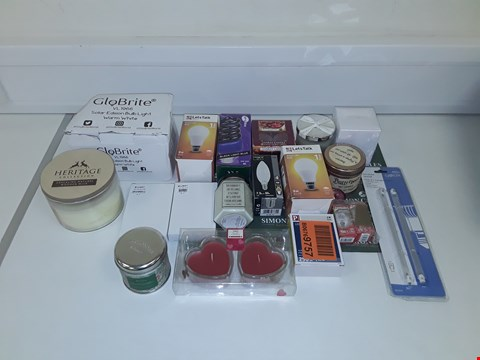 Lot 8077 LOT OF ASSORTED LIGHT BULBS AND SCENTED CANDLES