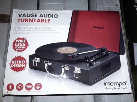 Lot 22 BOXED VALISE AUDIO TURNTABLE