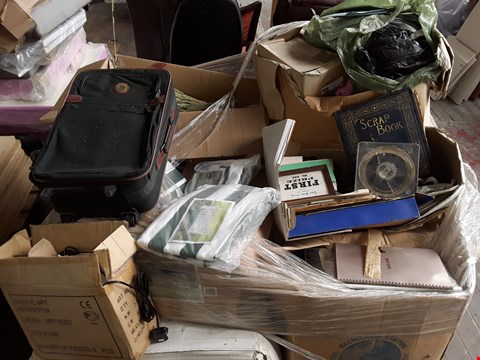 Lot 82 PALLET OF ASSORTED ITEMS TO INCLUDE RETRO MEMORABILIA, GAZEBO COVERS AND CARLTON LUGGAGE BAG