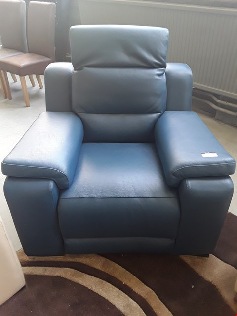 Lot 56 QUALITY ITALIAN DESIGNER BLUE LEATHER VIBO POWER RECLINING ARMCHAIR