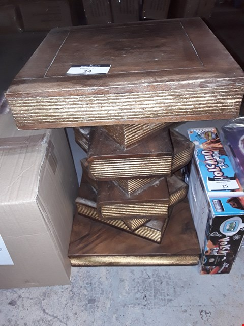 Lot 24 WOODEN STACKED BOOK EFFECT SIDE TABLE / STOOL