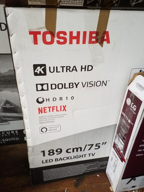 Lot 1090 TOSHIBA 75U6863DB 75 INCH 4 K ULTRA HD TELEVISION