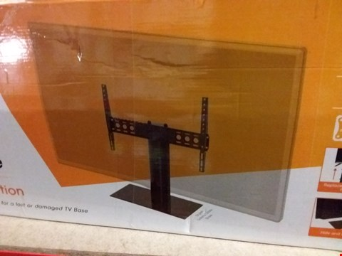 Lot 1196 BOXED AVF UNIVERSAL FIXED POSITION TV BASE