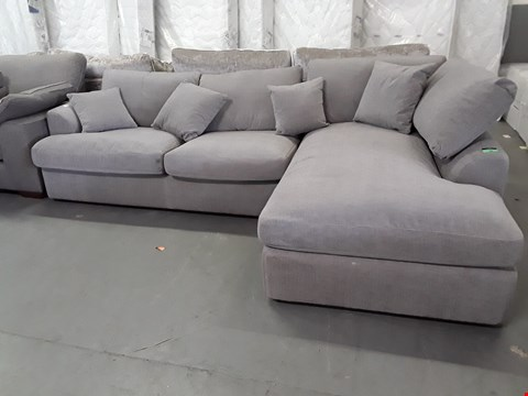 Lot 83 QUALITY BRITISH DESIGNER SILVER FABRIC CORNER CHAISE SOFA WITH METAL ACTION BED SETTEE & OTTOMAN CHAISE STORAGE