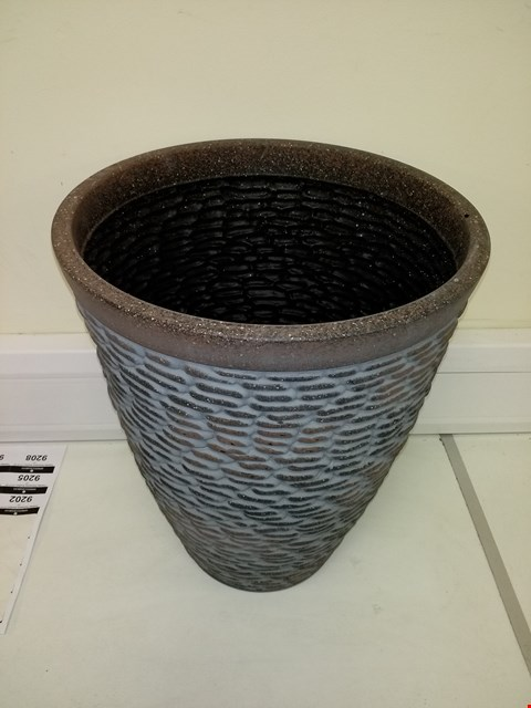 Lot 9202 BOXED PREMIUM STONE EFFECT PLANTER APPROXIMATELY 47CM TALL 37CM DIAMETER RRP £26.00