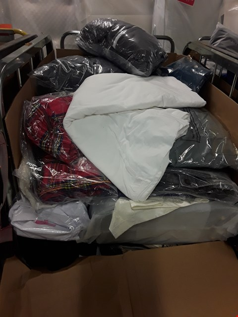 Lot 208 CAGE OF ASSORTED UNPROCESSED ADULT CLOTHING