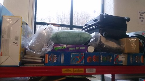 Lot 129 SHELF OF ASSORTED ITEMS TO INCLUDE TMNT TRAVEL EASEL , PAW PATROL DESK , SUITCASE , PILLOWS ETC