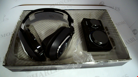 Lot 17325 ASTRO A40 & MIXAMP PRO