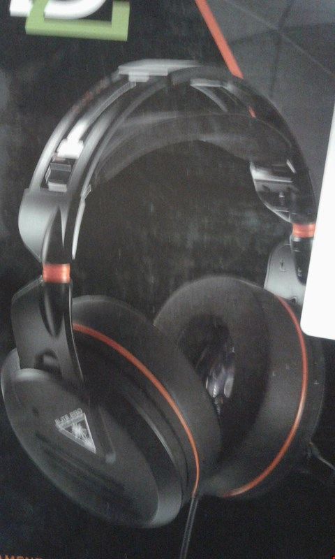 Lot 195 TURTLE BEACH ELITE PRO TOURNAMENT PACK