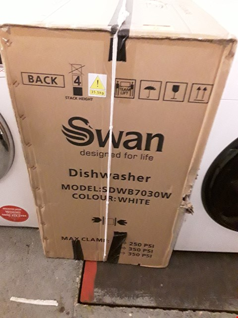 Lot 66 SWAN SDW7030W 9 PLACE INTEGRATED DISHWASHER - WHITE RRP £219.99