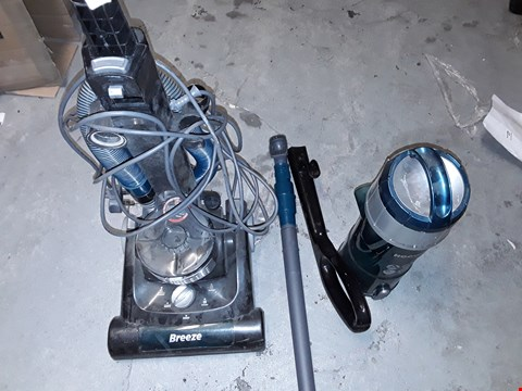 Lot 903 HOOVER BREEZE EVO VACUUM CLEANER