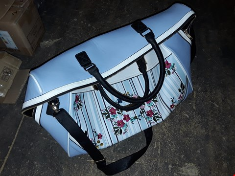Lot 2329 BRAND NEW RIVER ISLAND BLUE PRINT WEEKEND BAG  RRP £87