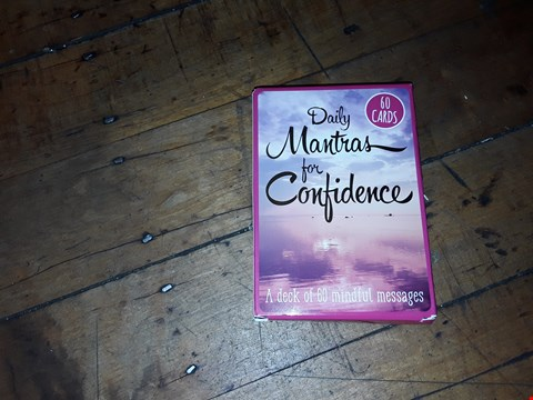 Lot 2082 DAILY MANTRAS FOR CONFIDENCE , A DECK OF 60 MINDFUL MESSAGES