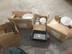Lot 296 PALLET OF ASSORTED COOKWARE TO INCLUDE RIBBED RAMEKIN , TAPAS DISHES,SOUFFLE/PIE DISHES ECT