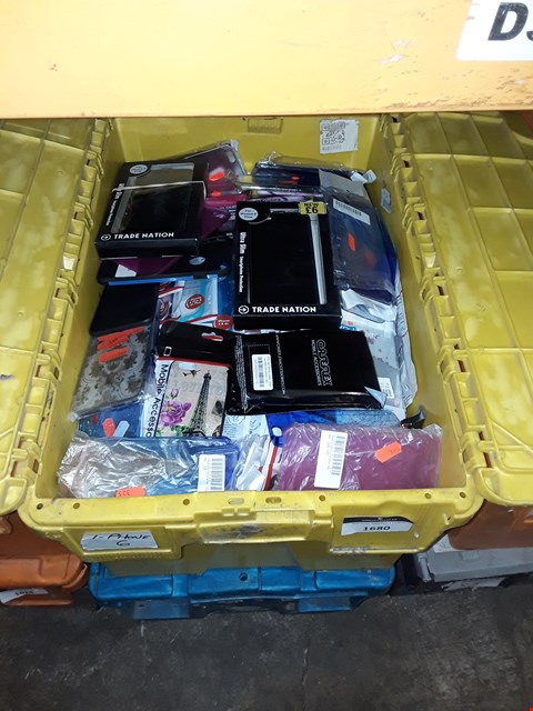 Lot 1680 BOX OF ASSORTED BRAND NEW IPHONE 6 CASES