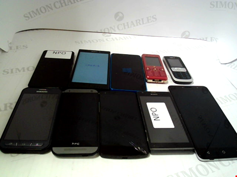 Lot 668 LOT OF APPROXIMATLEY 10 ASSORTED MOBILE PHONES AND SMARTPHONES ETC