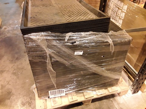 Lot 6003 PALLET OF BUILDERS MIXING TRAYS