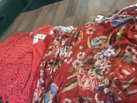 Lot 9396 A BOX OF APPROXIMATELY 25 DESIGNER CLOTHING ITEMS TO CONSIST OF A PC PRINT BARDOT DRESS AND A CORAL LACE UP JUMPER