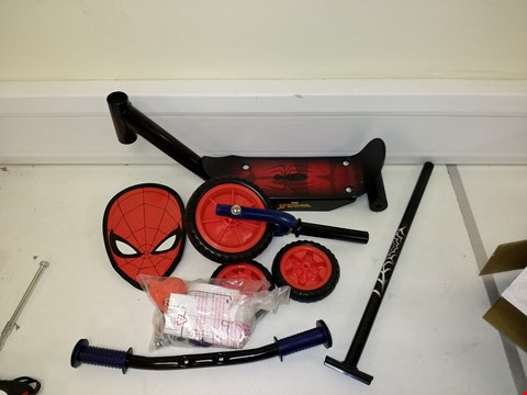 Lot 9219 BOXED SPIDER MAN TRI SCOOTER RRP £30.00
