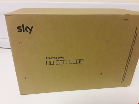 Lot 4582 BOXED SKY Q HUB WIRELESS ROUTER