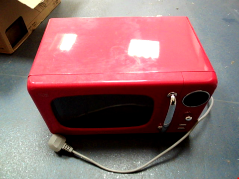 Lot 5038 DAEWOO KOR9LBKRR TOUCH CONTROL MICROWAVE WITH ZERO STANDBY ECO FUNCTION, 800 W, 20 LITRE, RED