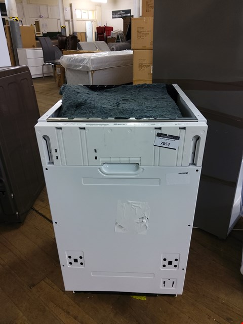 Lot 7057 SWAN BUILT UNDER SLIMLINE DISHWASHER SDWB7030W RRP £209.99