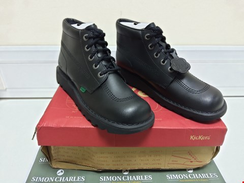 Lot 3031 BOXED PAIR OF BLACK KICKERS SIZE 44 SHOES
