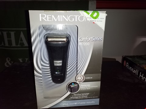 Lot 34 BOXED REMINGTON COMFORT SERIES PF7200 ELECTRIC SHAVER