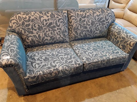 Lot 1010 DESIGNER JOHN FLEMING UPHOLSTERY CHATSWORTH BLUE FLORAL FABRIC THREE SEATER SOFA WITH STUDDED DETAIL & 2 SCATTER CUSHIONS