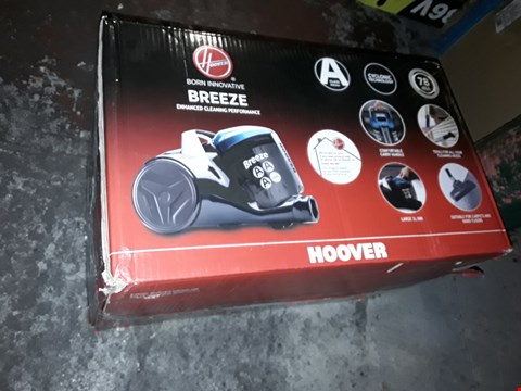 Lot 1100 HOOVER BREEZE VACUUM CLEANER