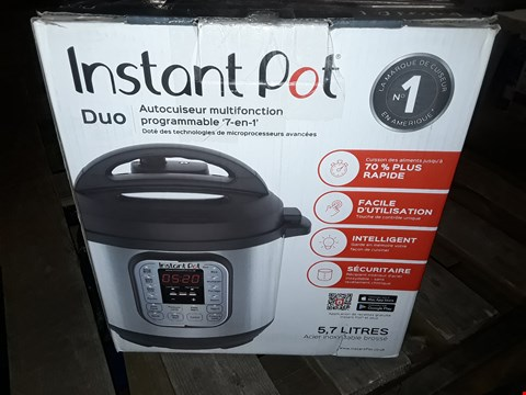 Lot 1947 INSTANT POT 7 IN 1 PRESSURE COOKER