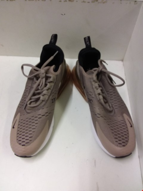 Lot 9066 NIKE AIR 270 TRAINERS - TAN SIZE 7.5