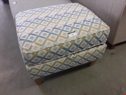 Lot 41 QUALITY BRITISH DESIGNER GEOMETRIC PATTERNED STORAGE FOOT STOOL