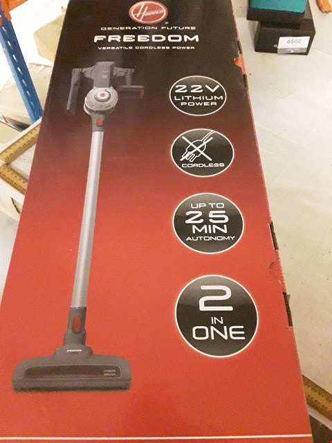 Lot 2099 HOOVER FREEDOM CORDLESS VACUUM CLEANER