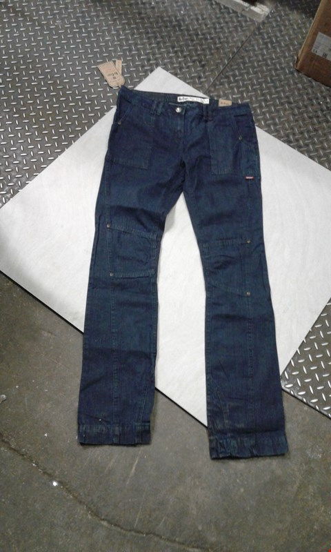 Lot 487 BOX OF APPROXIMATELY 10 PAIRS OF DESIGNER LEE COOPER JEANS VINTSGE STYLE APPARD (DARK BLUE)