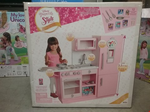 Lot 2037 DISNEY PRINCESS STYLE COLLECTION GOURMET KITCHEN RRP £149.99