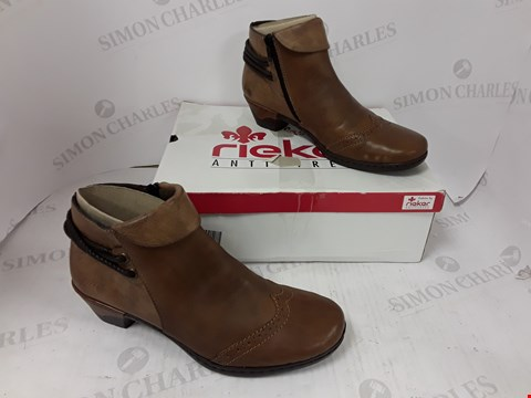 Lot 790 BOXED PAIR OF RIEKER BROWN FAUX LEATHER BOOTS SIZE 39